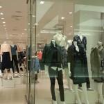 秋のファッションは女子をフェミニンにする今年のアイテム4つ